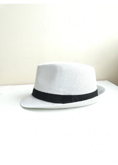 Дамска лятна шапка в бяло с Черна лента за акцент