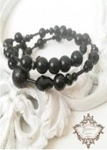 Уникална гривна с кристали и перли от серията Black Rose