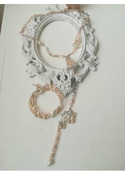 Красив ръчно изработен комплект от кристали Сваровски в розово и праскова от колекцията Sea Essence by Rosie