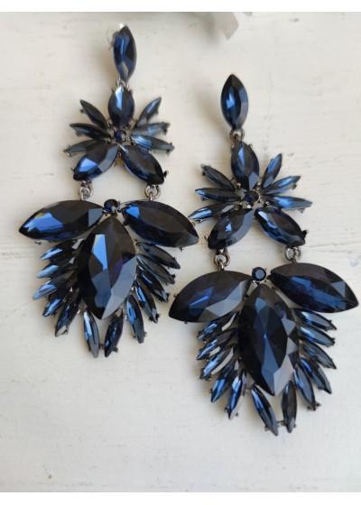 Модерни обици за абитуриентка с кристали в тъмно синьо модел Lovely Blue